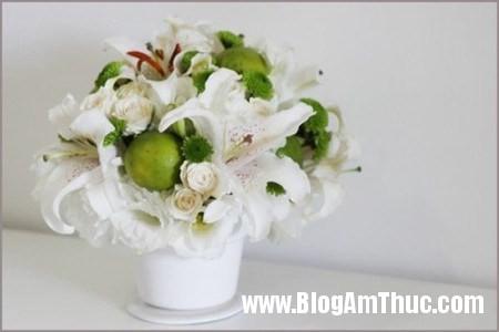 Binh hoa xen qua sung tuc dam am 1 Bình hoa quả xum xuê cho ngôi nhà đầm ấm