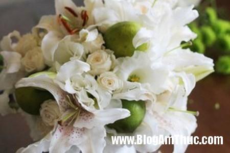 Binh hoa xen qua sung tuc dam am 5 Bình hoa quả xum xuê cho ngôi nhà đầm ấm