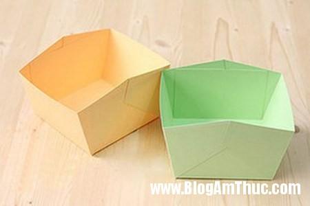 Cam hoa cam chuong voi hop giay that dep 3 Làm hộp cắm hoa cẩm chướng bằng giấy thật xinh