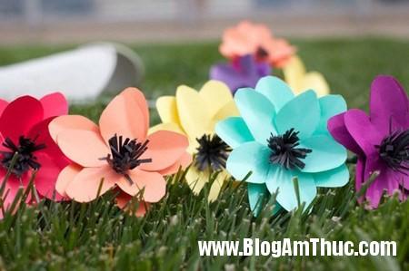 Lam hoa giay xinh xan dang yeu toi bat ngo 1 Khéo tay làm bông hoa giấy thật xinh xắn và vô cùng đáng yêu