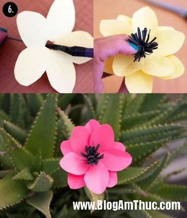 Lam hoa giay xinh xan dang yeu toi bat ngo 5 Khéo tay làm bông hoa giấy thật xinh xắn và vô cùng đáng yêu