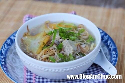 suon non nau khe hoa chuoi Thanh mát canh sườn non nấu khế & hoa chuối