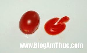 tia tho ca chua 2 Khéo tay tỉa cà chua bi thành những chú thỏ xinh xắn