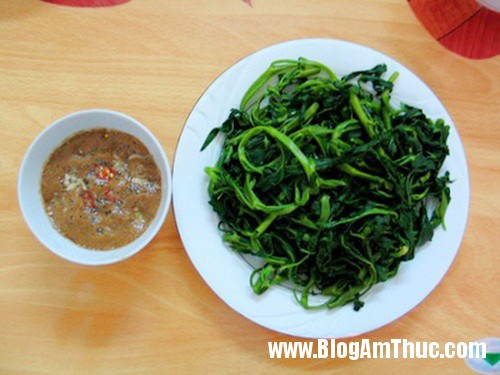 banh cuon mam cay chuoi ngu dung di am thuc ha nam 5 Những món ăn đặc sản nổi tiếng Hà Nam
