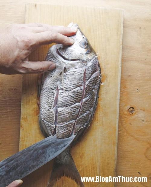 cách rán cá ngon Bí quyết để chế biến món cá rán giòn, vàng và không bị sát
