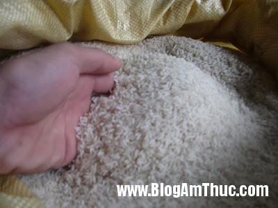 gao1 Cách chọn gạo tránh loại nhiễm hóa chất