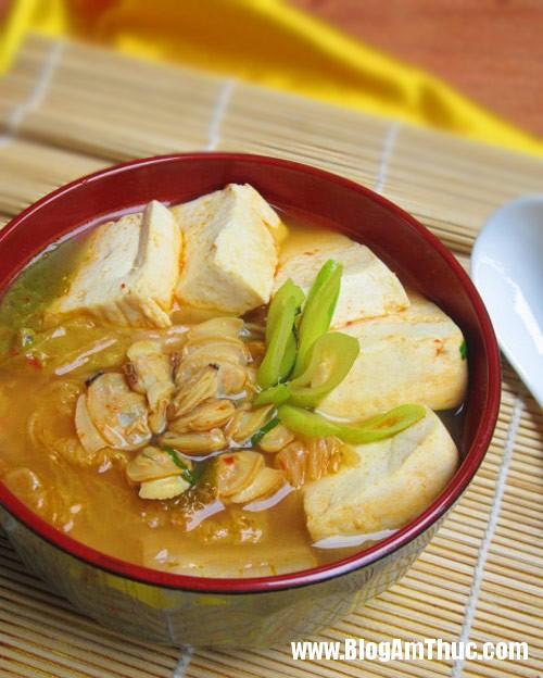kim chi10 Cay nồng canh kim chi nấu ngao cùng đậu phụ