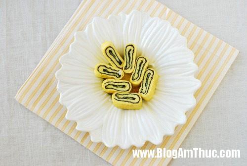 1366715718 9 Hấp dẫn món trứng cuộn rong biển kiểu Hàn