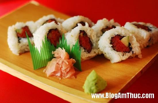 com cuon Hấp dẫn món cơm cuộn cá ngừ