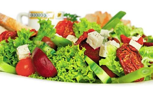 img52147UYOQG 1367035032 ngay nang an salad 3  Các món salad cực ngon và mát cho mùa hè
