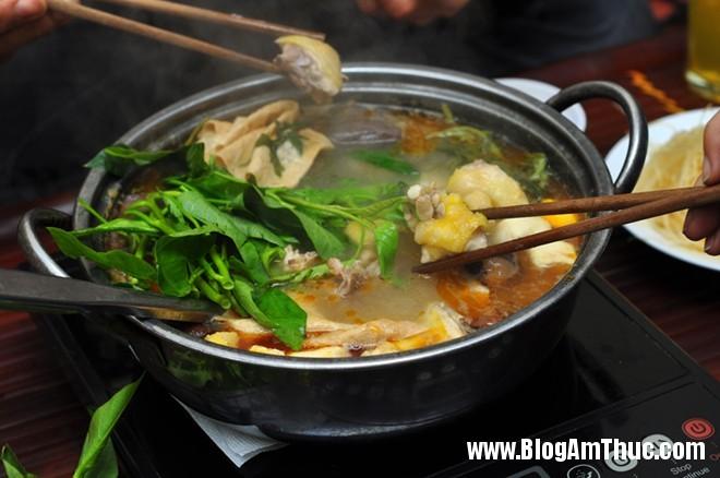 Địa chỉ ăn nem nướng và lẩu gà cực ngon tại Hà Nội