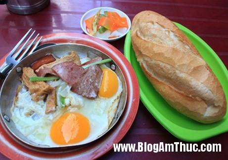 img63089NTRUH 20140103111003 2 Những địa chỉ ăn uống nổi tiếng lâu đời ở Sài Gòn