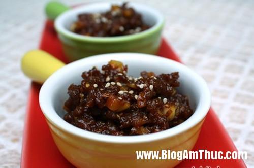 101008MBTboxaosp1 Thơm ngon thịt bò xào chua ngọt kiểu Hàn Quốc
