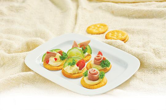 AGF 0651 BanhQuyGionNhanMayonnaise Bánh quy giòn nhân mayo cực ngon cho bé