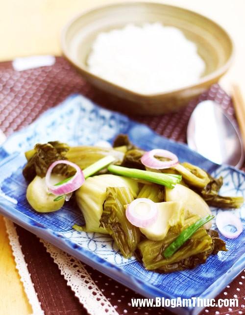 1420593880 dua cai muoi chua 6 Cách làm dưa cải chua giòn ngon chống ngán ngày Tết