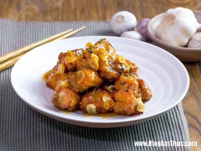 recipe4251145581 230120963 Bữa cơm hấp dẫn với sườn chiên tỏi sốt mật ong