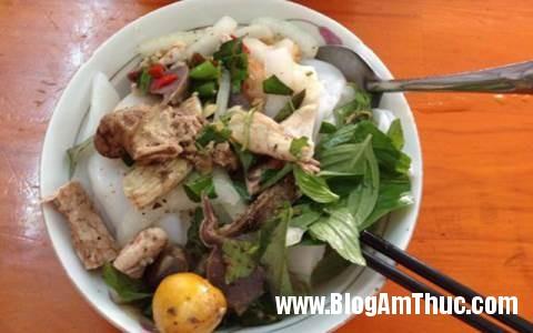 1495540352 149524387719750 banh uot long ga Những món ăn đốn đỗ tim thực khách ở phố núi Đà Lạt