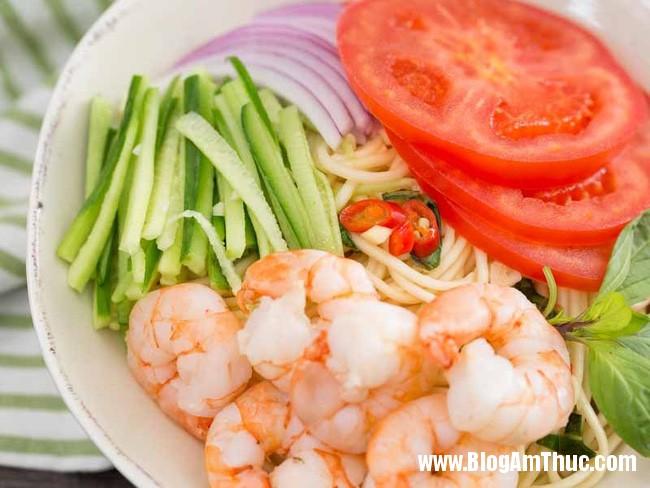 mi sp3 1493776134222 Mì lạnh kiểu Thái cực dễ làm dành cho bữa trưa ngày nóng