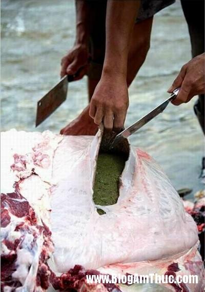 mon lau nang mu phan bo o trung quoc Món lẩu nặng mùi phân bò nổi tiếng ở Trung Quốc