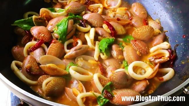 seafood sp2 1494728889157 Bí quyết để có món hải sản xào cay dậy mùi đúng chuẩn vị Thái