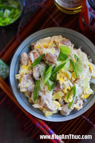 com trung 2 8827 1499734689 Cách làm cơm trứng thịt gà kiểu Nhật cực kỳ hấp dẫn