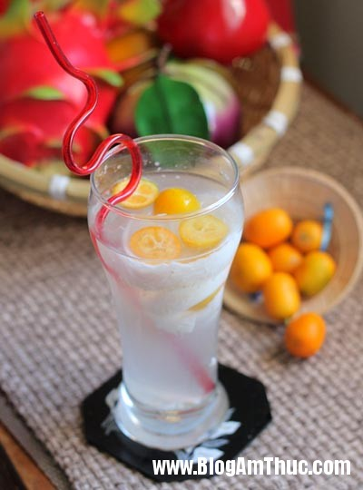 nuoc giai khat3 Cách làm nước dừa chanh quất thơm lừng giải nhiệt cho ngày hè