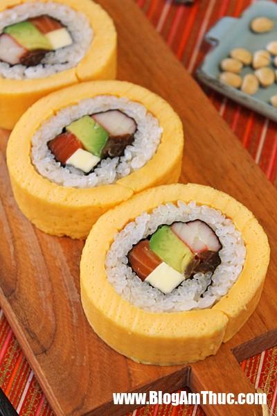 Bien tau la mieng voi sushi trung cuon ngon mien ban 5 1509096314 width400height600 Chút biến tấu cho món sushi trứng cuộn mới lạ cực ngon