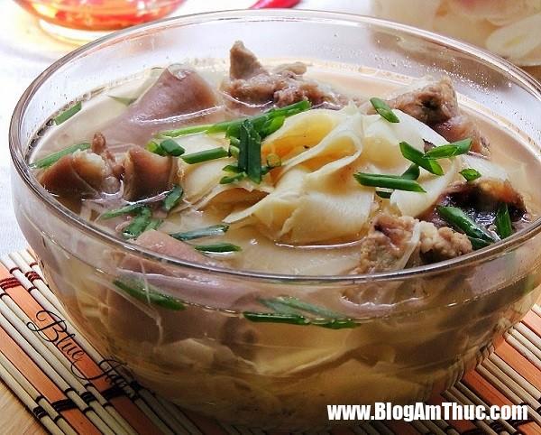 duoi heo ham mang tuoi Cách làm món đuôi heo hầm măng chua ngon hết ý không thể chê