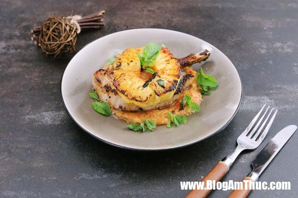 photo 0 1480554354645 Hao cơm với món sườn heo áp chảo với dứa