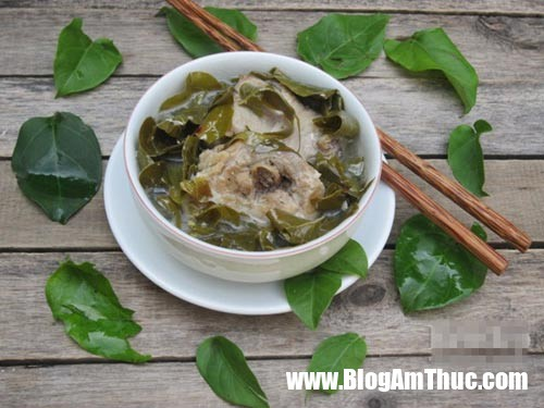 canh ga nau la giang 8 Canh gà lá giang thơm ngon cực bổ dưỡng