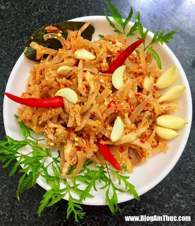 photo 10 1516719416209 Cách làm tré Huế ngon giòn dai, chua chua, cay cay cực hấp dẫn