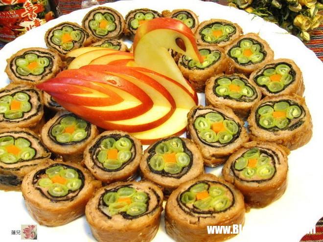 thit cuon hoa 5 1514969146805 Bí quyết làm món thịt cuốn đơn giản mà vô cùng đẹp mắt