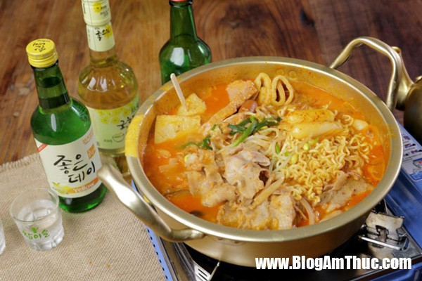 photo 0 1480296887402 Cách nấu lẩu Hàn Quốc cay nồng cho những ngày se lạnh