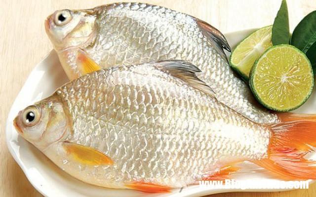 4 cach khu mui tanh cua ca 3 phunutoday vn 1448188042580 0 0 400 544 crop 1448188182465 1508641949619 Tổng hợp các mẹo đánh bay mùi tanh của cá