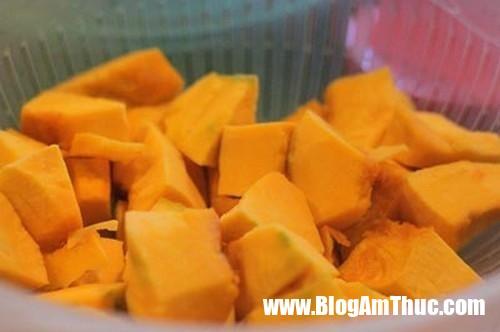 ngot thom canh bi do bo vien 318 Canh bí đỏ bò viên thơm ngon bổ dưỡng làm đơn giản lại nhà