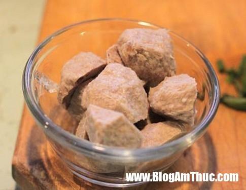 ngot thom canh bi do bo vien 332 Canh bí đỏ bò viên thơm ngon bổ dưỡng làm đơn giản lại nhà