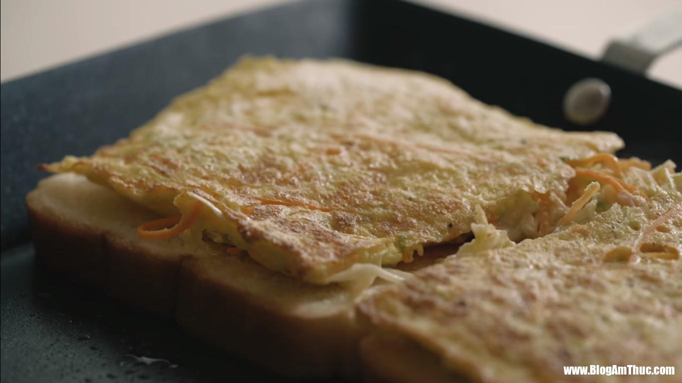 """sandwich 4 1532582024586224817877 Cách làm sandwich kiểu Hàn   món ăn đường phố """"hút"""" khách du lịch nước ngoài"""