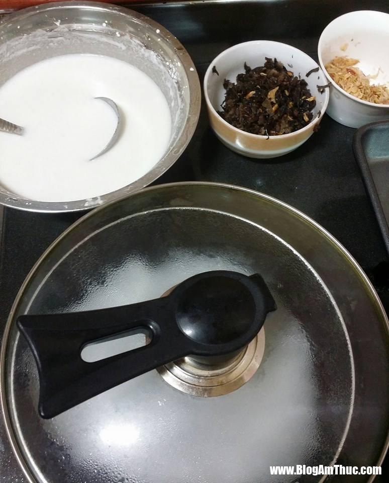 1534782180 591 11709768 816477678467329 5433705172998718332 n 1534781939 width774height960 Bạn có thể tự làm bánh cuốn dễ dàng và đơn giản với chảo chống dính ngay tại nhà