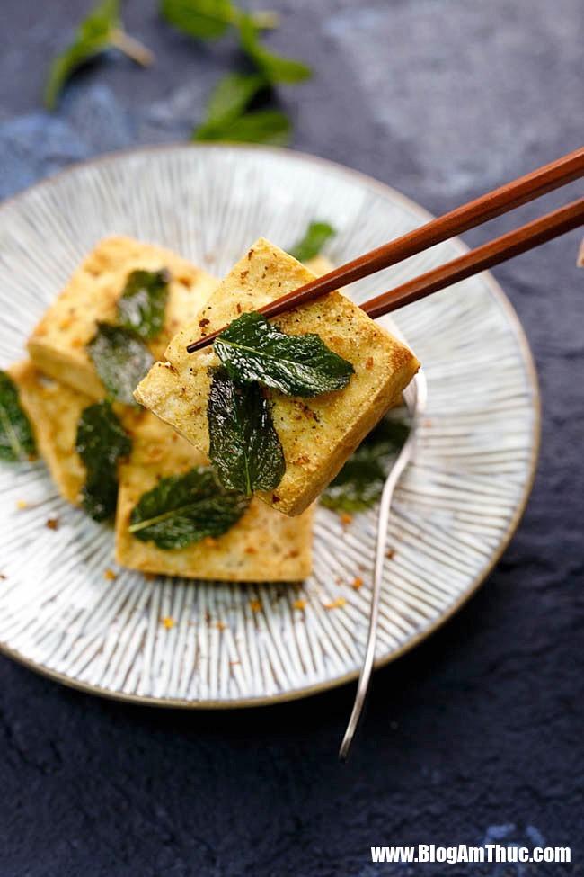 pan fried crispy tofu 12 1534645085132330686258 Mẹo chiên đậu phụ không phải ai cũng biết làm