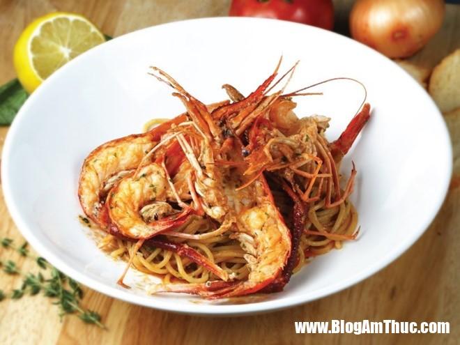 4 1 Đầu bếp Nhật nấu món Ý là một sự kết hợp hoàn hảo