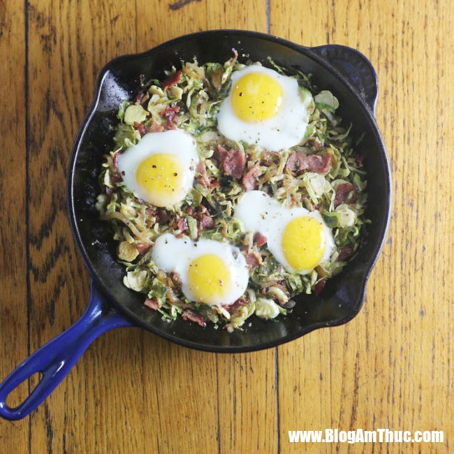 1544031826 351 8 bua sang ngon tuyet cu meo chi mat 5 phut de nau 8 1543977883 width650height650 Những bữa sáng đầy đủ chất dinh dưỡng với trứng