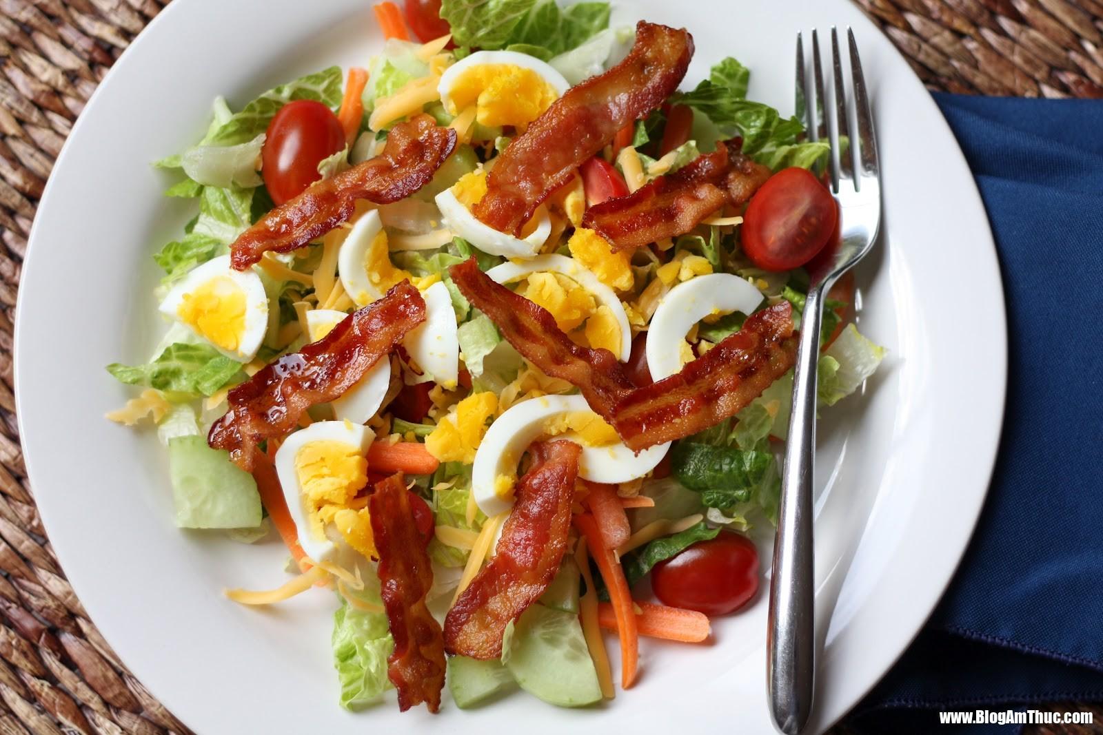 bltsalad 1 Những bữa sáng đầy đủ chất dinh dưỡng với trứng