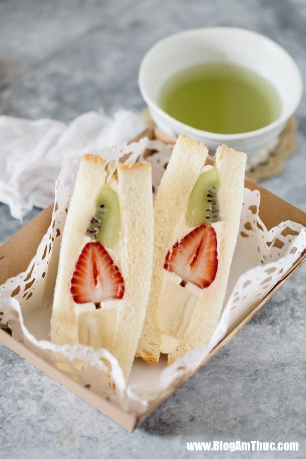 fruit sandwiches 2 6 1545746628332450116437 Ăn trưa với bánh sandwich tự làm để cung cấp đủ vitamin