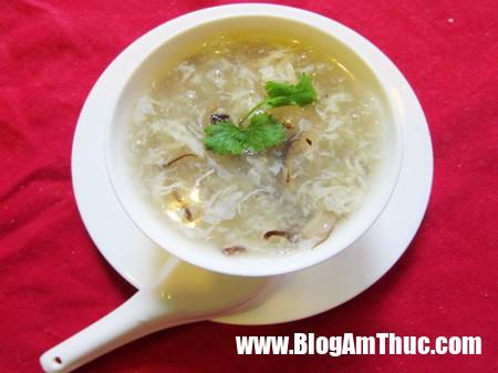 cach nau sup ga nam 26 Nấu súp gà nấm rơm cho bữa sáng đủ chất