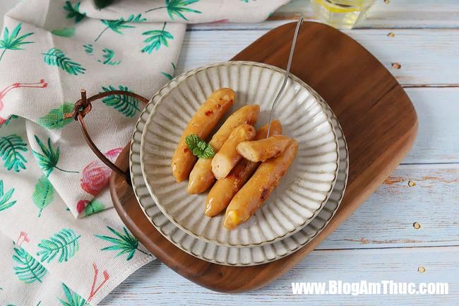 xuc xich ga 6 154893019379514577181851 Cách làm xúc xích tại nhà với nguyên liệu chính là gà