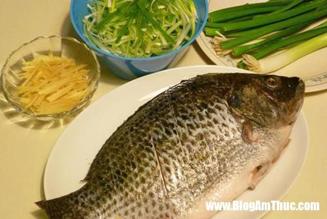 Cho gung va hanh vao mon ca luc nao de khu sach tanh va noi vi nhat 2 1553005959 22 width640height428 Món cá chưa bao giờ thơm ngon đến thế khi chế biến cùng gừng