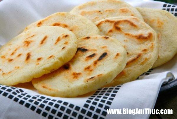 cach lam banh san dua nuong 07 600x406 Làm bánh sắn dừa nướng để thử độ khéo tay