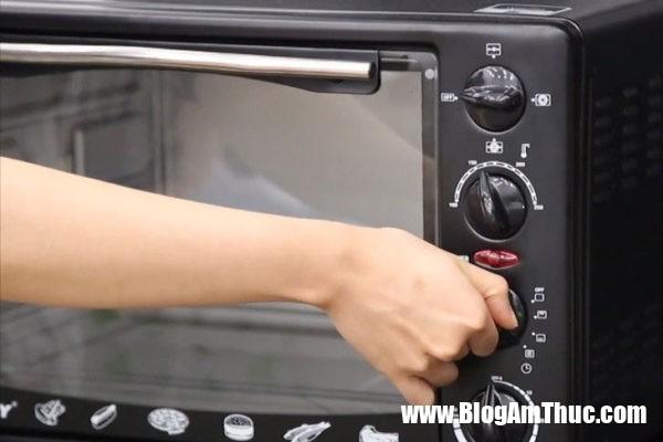 cach lam banh quy hat dieu 05 600x400 Cách làm bánh quy hạt điều nhanh gọn và thơm ngon